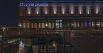 The Cotton Sail Hotel, Tapestry Collection By Hilton - Savannah - Edificio