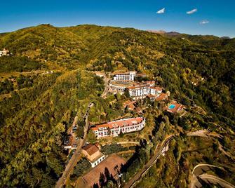 Renaissance Tuscany Il Ciocco Resort and Spa - Barga - Venkovní prostory