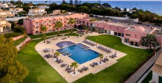 Hotel Vila Gale Praia - Albufeira - Building