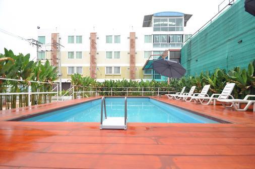 Kriss Residence - Μπανγκόκ - Πισίνα