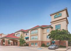 休士頓紅土大道拉昆塔套房酒店 - 休士頓 - 休斯頓 - 建築