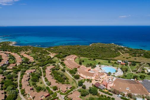 Sant'Elmo Beach Hotel - Castiadas - Outdoors view