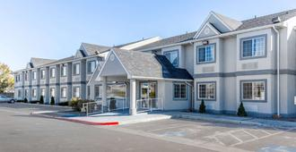 Quality Inn & Suites Elko - Elko