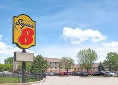 Super 8 by Wyndham Chicago O'Hare Airport - Elk Grove Village - Building