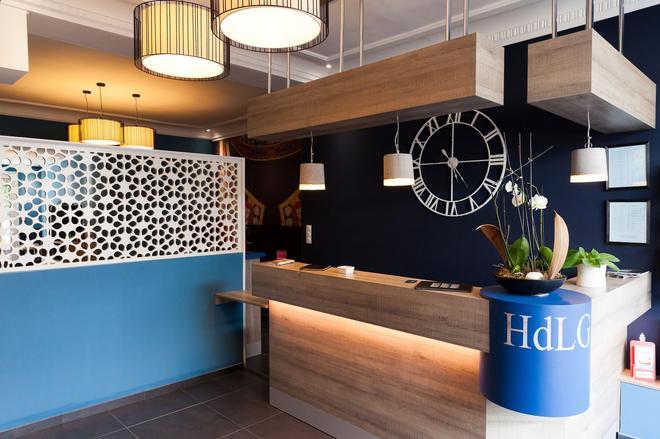 Hotel De La Gare - Quimper - Front desk