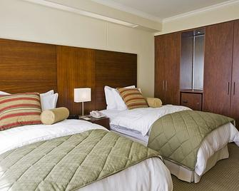 Hotel Stubel Suites and Cafe - Quito - Bedroom