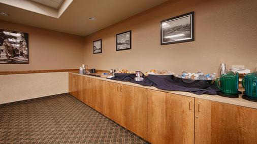 Best Western University Inn - Fort Collins - Buffet