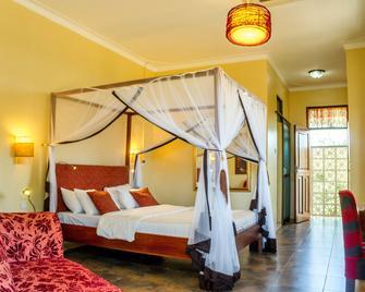 2 Friends Beach Hotel - Entebbe - Slaapkamer