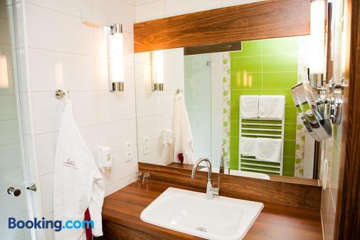 Hotel-Restaurant Teuschler-Mogg - Bad Waltersdorf - Bathroom