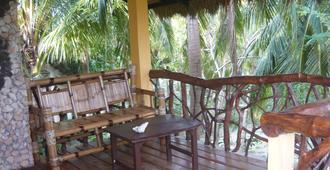 Mangrove Oriental Resort - Daanbantayan - Pátio