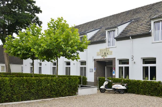 Hotel Asselt - Roermond - Building