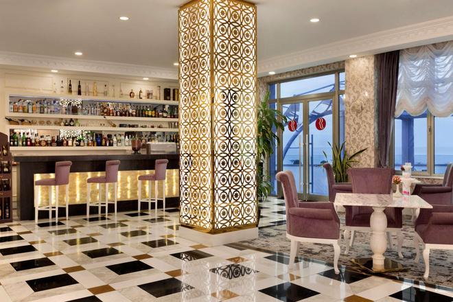 Ramada by Wyndham Baku - Μπακού - Bar