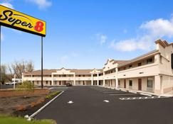 Super 8 by Wyndham Rahway/Newark - Rahway - Building