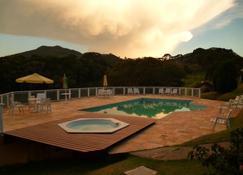 Pousada La Villa Del Valle - Santo Antônio do Pinhal - Piscina