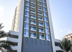 Noor Amwaj - Manama - Building