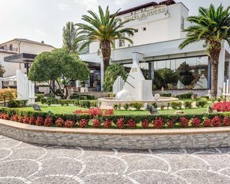Best Western Hotel Rocca - Cassino - Gebäude