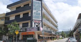 Micro Beach Hotel - Garapan - Building