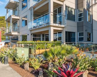 Edgewater Palms Apartments - Paihia - Gebouw