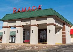 Ramada by Wyndham Mountain Home - Mountain Home - Edifício