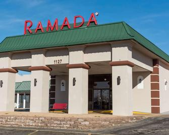 Ramada by Wyndham Mountain Home - Mountain Home - Building