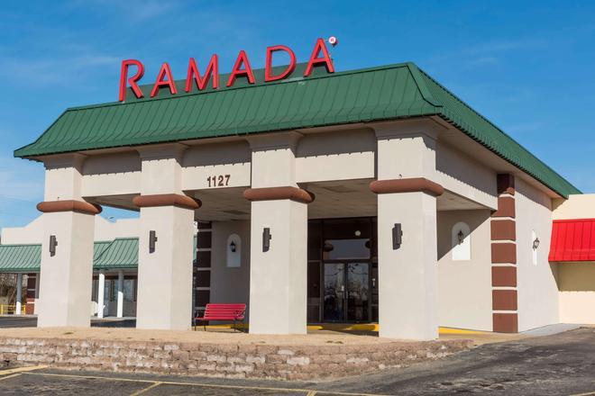 Ramada by Wyndham Mountain Home - Mountain Home - Edificio