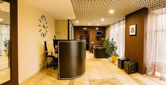 Master Hotel Ostankino - Moscow - Front desk