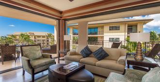 Koloa Landing Resort - Koloa - Living room