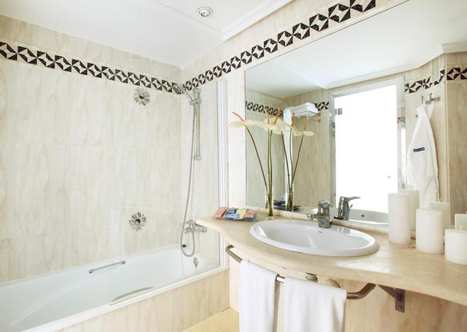 H10 征服者酒店 - 阿羅納 - 美洲海灘 - 浴室