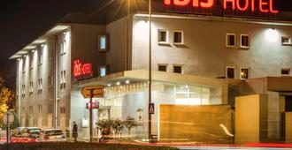 吉馬良斯宜必思酒店 - 吉馬良斯 - 吉馬良斯 - 建築