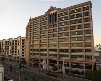 Hotel Real Plaza Aguascalientes - Агуаскаліентес - Building