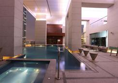 Bonnington Jumeirah Lakes Towers - Dubaï - Piscine