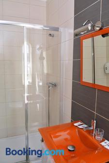 ZE Luis - Chaves - Bathroom