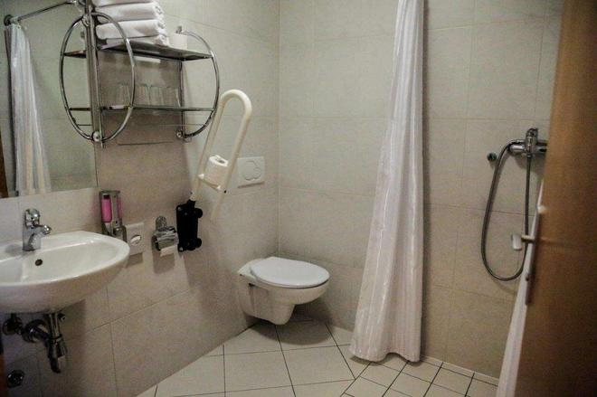 泰伯酒店 - 馬里包 - 馬里博爾 - 浴室