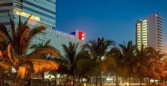 Fiesta Inn Cancun Las Americas - Cancún - Edifício
