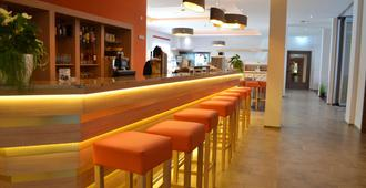 Best Western Plus Marina Star Hotel Lindau - Lindau - בר