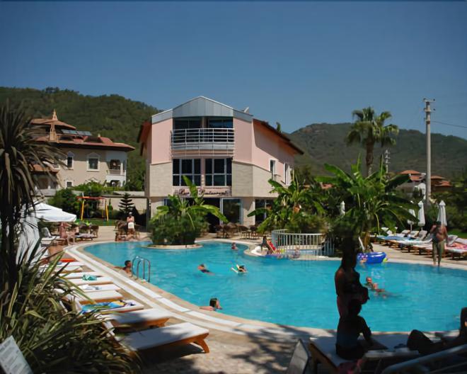 Faber Apart Hotel - İçmeler - Pool
