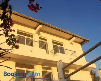 Hotel La Ría Playas - Playas - Building