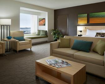 Delta Hotels by Marriott Prince Edward - Charlottetown - Living room