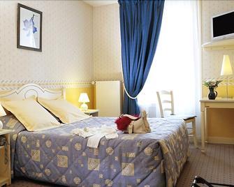 Le Cheval Blanc - Rives-en-Seine - Schlafzimmer
