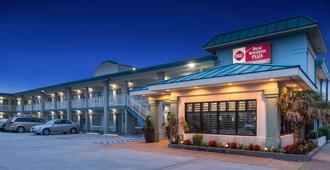 Best Western Plus Holiday Sands Inn & Suites - Norfolk - Edifício