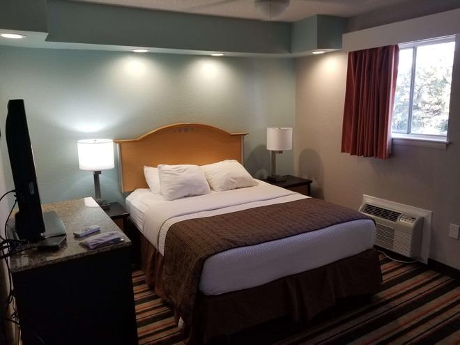 桑茲貝斯特韋斯特普勒斯旅館及套房酒店 - 諾福克 - 諾福克(弗吉尼亞州) - 臥室