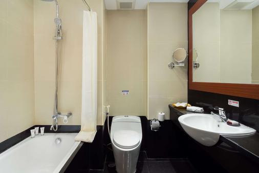 Best Western Plus Makassar Beach - Makassar - Phòng tắm