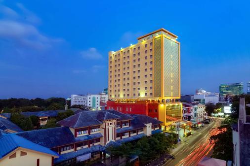 Best Western Plus Makassar Beach - Makassar - Toà nhà