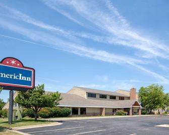AmericInn by Wyndham Coralville - Coralville - Building