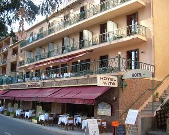 Hotel le Vaita - Porto - Building