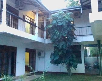 Water Garden Hotel - Anuradhapura - Toà nhà