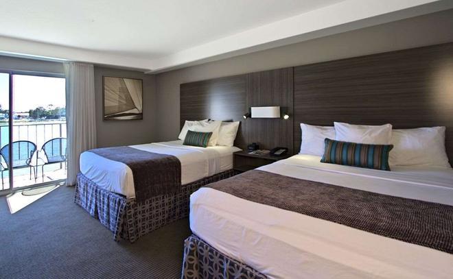 Executive Inn & Suites Oakland - Oakland - Bedroom