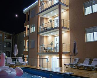 Hotel Ajana - Ульцинь - Будівля