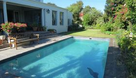 The Oval Bed and Breakfast - Cape Town - Pool