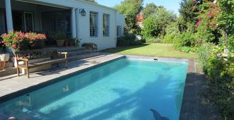 The Oval Bed and Breakfast - Kapstaden - Pool